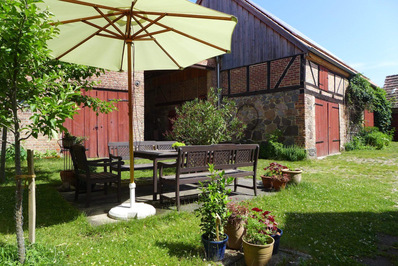 Sitzmöglichkeiten auf dem Kossätenhof der Familie Behm